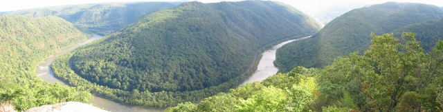 1. New River Gorge National River, View from Main Overlook at Grandview, State of West Virginia, USA. Photo Credit: Frank Sellers, New River Gorge National River Photo Gallery (http://www.nps.gov/neri/photo.htm), Panorama Photos, National Park Service (NPS, http://www.nps.gov), United States Department of the Interior (http://www.doi.gov), Government of the United States of America (USA).