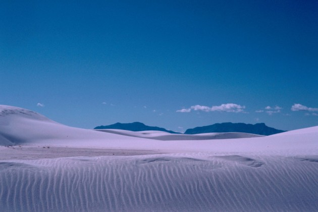 White Sands National Monument, State of New Mexico, USA. Photo Credit: Gary M. Stolz (WO8063-010), Washington DC Library, United States Fish and Wildlife Service Digital Library System (http://images.fws.gov), United States Fish and Wildlife Service (FWS, http://www.fws.gov), United States Department of the Interior (http://www.doi.gov), Government of the United States of America (USA).