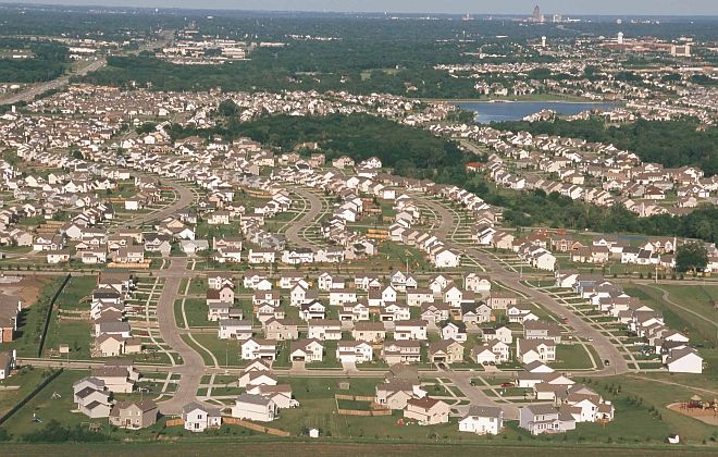 The Suburbs of Clive and Waukee on the West Side of the City of Des Moines, Dallas County, State of Iowa, USA. Photo Credit: Lynn Betts (2000, http://photogallery.nrcs.usda.gov, NRCSIA00018), USDA Natural Resources Conservation Service (NRCS, http://www.nrcs.usda.gov), United States Department of Agriculture (USDA, http://www.usda.gov), Government of the United States of America (USA).