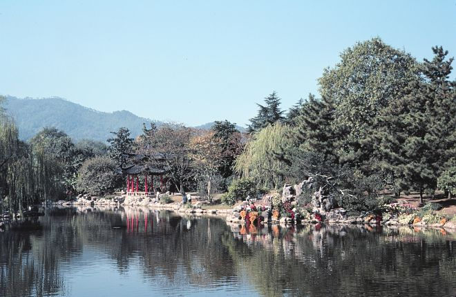 Autumn (Fall) of 1979: A corner of Xi Hu (West Lake), Hangzhou, Zhonghua Renmin Gongheguo - People's Republic of China. Photo Credit: George Saxton, NESDIS, NOAA; National Oceanic and Atmospheric Administration Photo Library (http://www.photolib.noaa.gov, mvey0444, Autumn of 1979), Small World Collection, National Oceanic and Atmospheric Administration (NOAA, http://www.noaa.gov), United States Department of Commerce (http://www.commerce.gov), Government of the United States of America (USA).