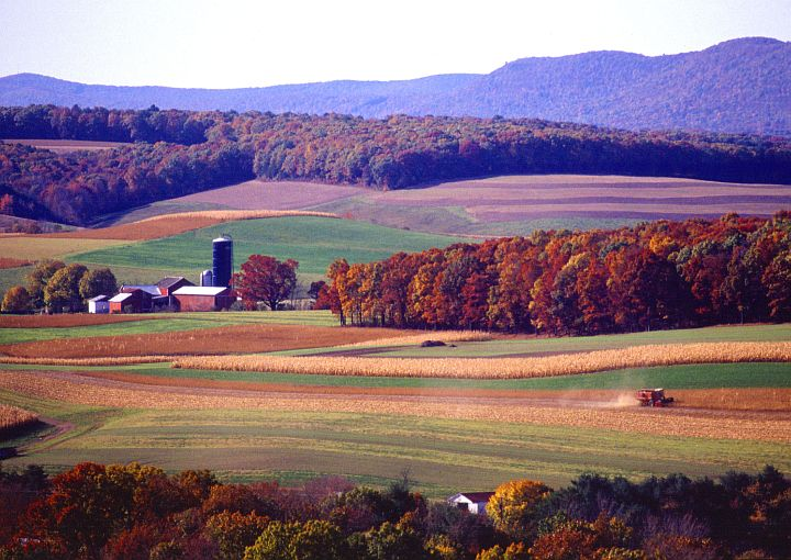 Scenic View of a Farm and Farming Near Klingerstown, State of Pennsylvania, USA. Photo Credit: Scott Bauer (http://www.ars.usda.gov/is/graphics/photos, K5052-5), Agricultural Research Service (ARS, http://www.ars.usda.gov), United States Department of Agriculture (USDA, http://www.usda.gov), Government of the United States of America (USA).