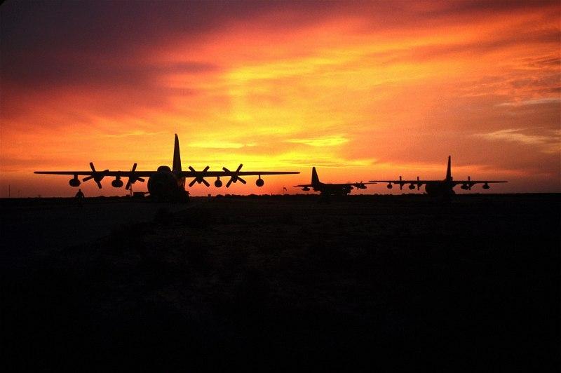 صور غروب الشمس في بعض مناطق العالم Gpw-200702-07-UnitedStates-DefenseVisualCenter-DFSD0207485