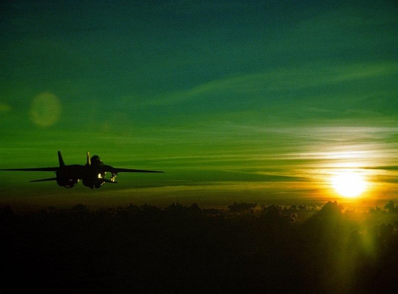صور غروب الشمس في بعض مناطق العالم Gpw-200702-14-UnitedStates-DefenseVisualCenter-DNSC9203282