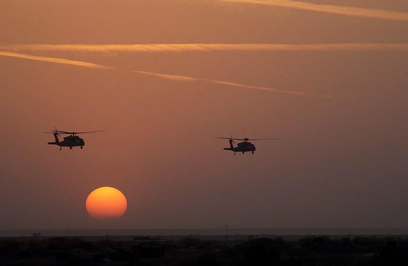 صور غروب الشمس في بعض مناطق العالم Gpw-200702-54-UnitedStates-DefenseVisualCenter-DFSD0504368